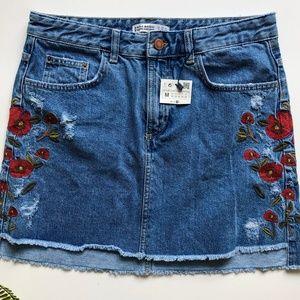 NWT Zara Embroidered Floral Denim Mini Skirt